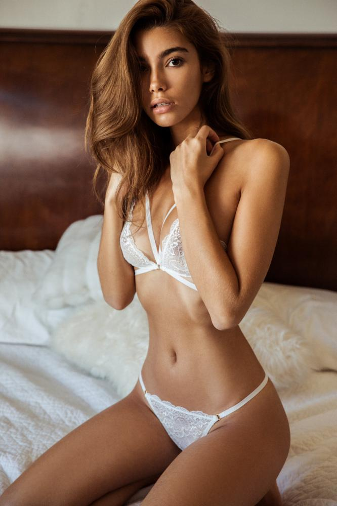 Lingerie by Cindy: Photo